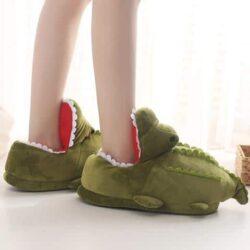 chausson crocodile qui ouvre la bouche