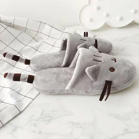 pantoufle chat gris de côté