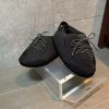 chausson yeezy reflective black