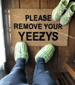 chausson yeezy frozen
